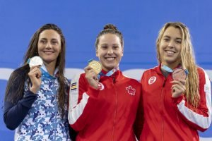 former oac swimmer tessa cieplucha wins pan am gold 400m im