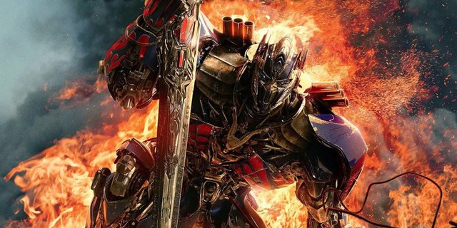 Review for the new action disaster film TRANSFORMERS: THE LAST KNIGHT, now playing in theatres.