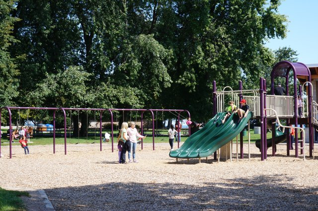 Events in Oakville: Friday, June 16, 2017, Coronation park, Playground with children