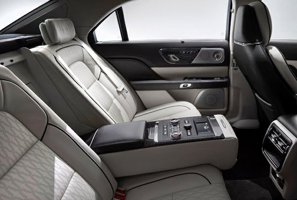 2017_lincoln_continental_rear seating with upgraded electronic section
