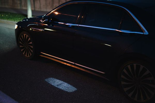 Illuminated exterior entry lights of the new 2017 Lincoln Continental Reserve