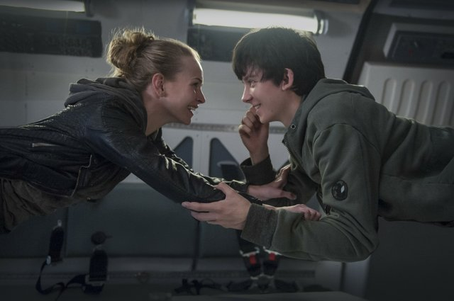 Review for the new Sci-Fi Romance THE SPACE BETWEEN US, opening in theatres February 3rd 2017.