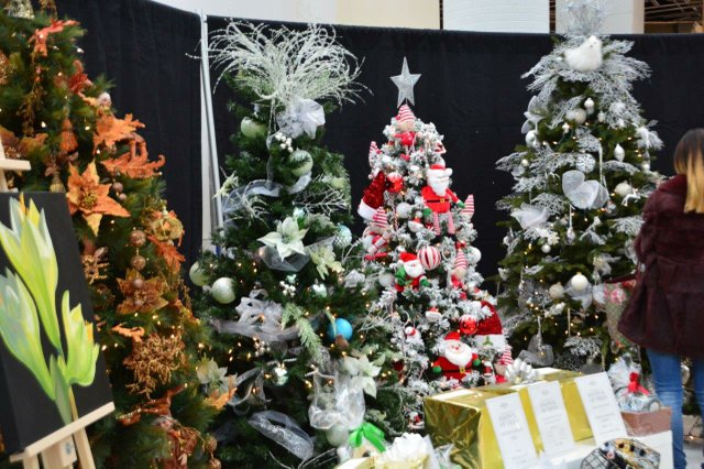 The May Court of Oakville Fundraiser: Let May Court Wrap the Gifts for Your Tree and Help Those less Fortunate