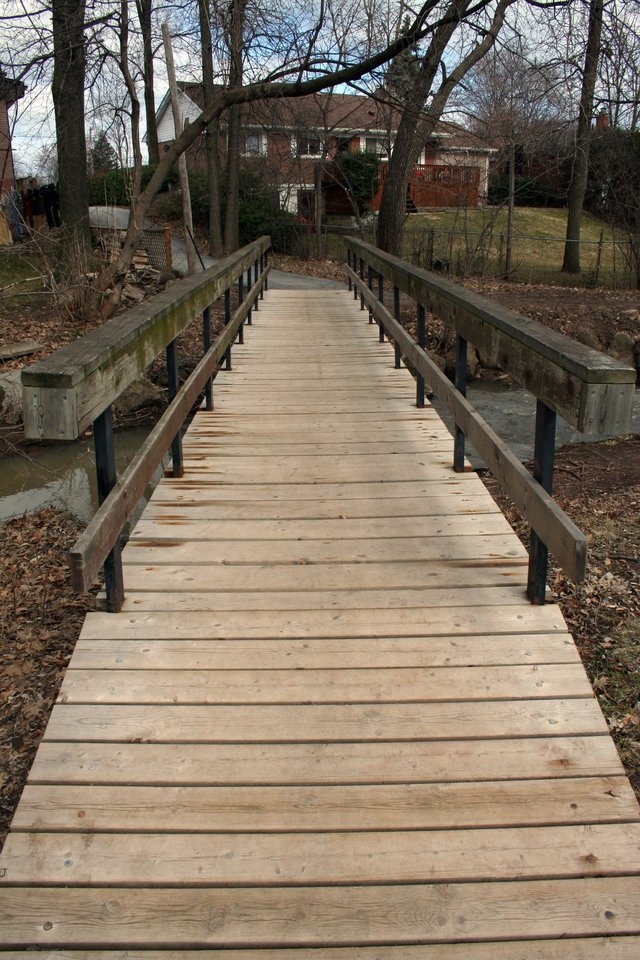 Wooden Walkway to trail
