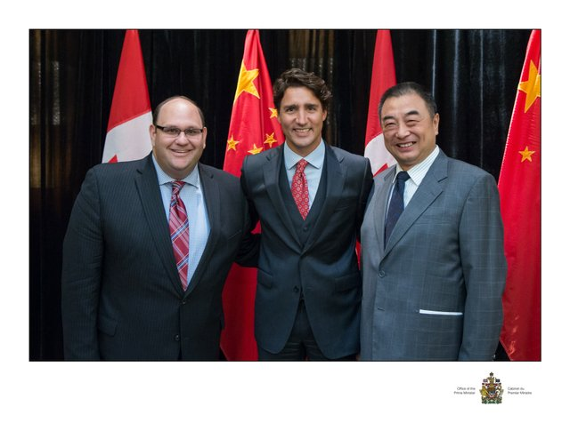 Left-to-right-Michael-Rubinoff-Associate-Dean-at-Sheridan-College-Prime-Minister-Justin-Trudeau-Yang-Shaolin-General-Manager-of-the-Shanghai-Dramatic-Arts-Centre.jpg