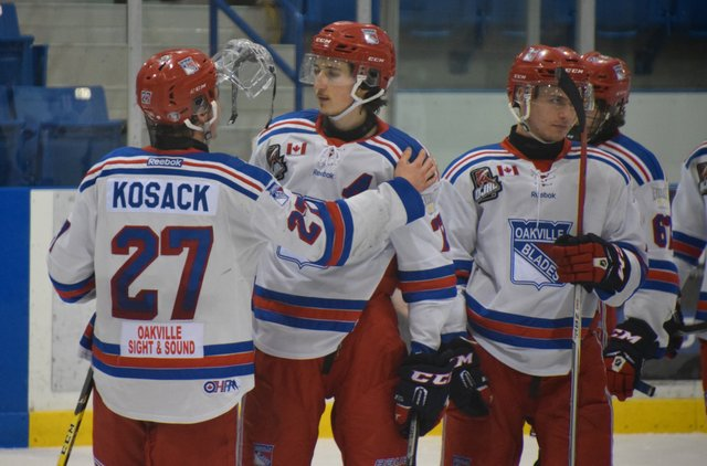 3 Oakville Blades Players