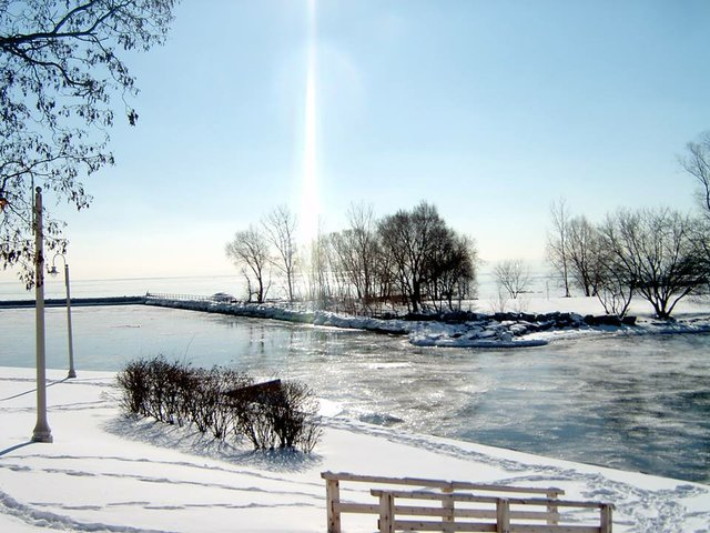Bronte Harbour in winter iced over