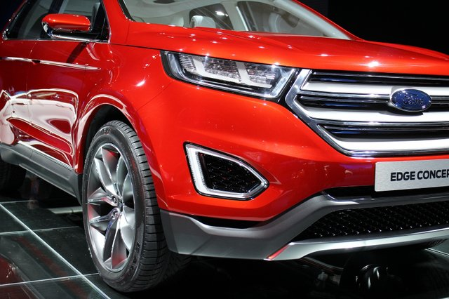 UBER, Front of 2015 Ford Edge