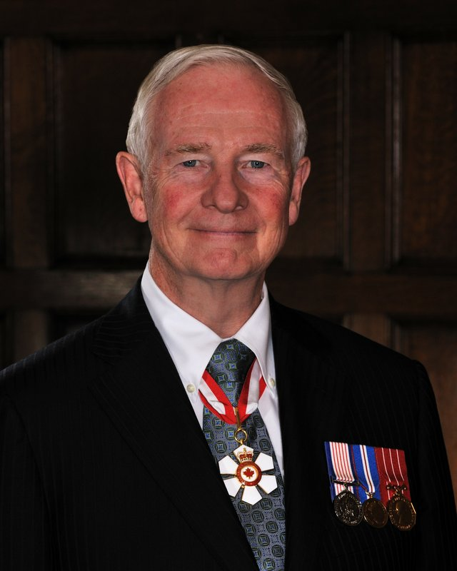 Official portrait of Governor General of Canada David Johnston