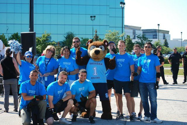 Sheridan College Team with Mascot