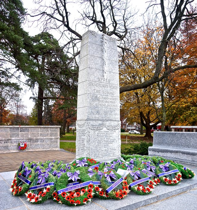 Oakville Veterans' Memorial Remembrance Day Oakville News 2014
