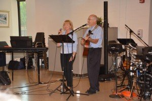 Enid & Tom with toe-tapping songs we all know so well! Delightful!