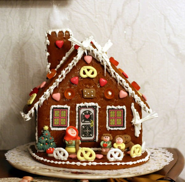Decorated ginger bread house: Oakville News
